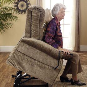 Felállást segítő fotel