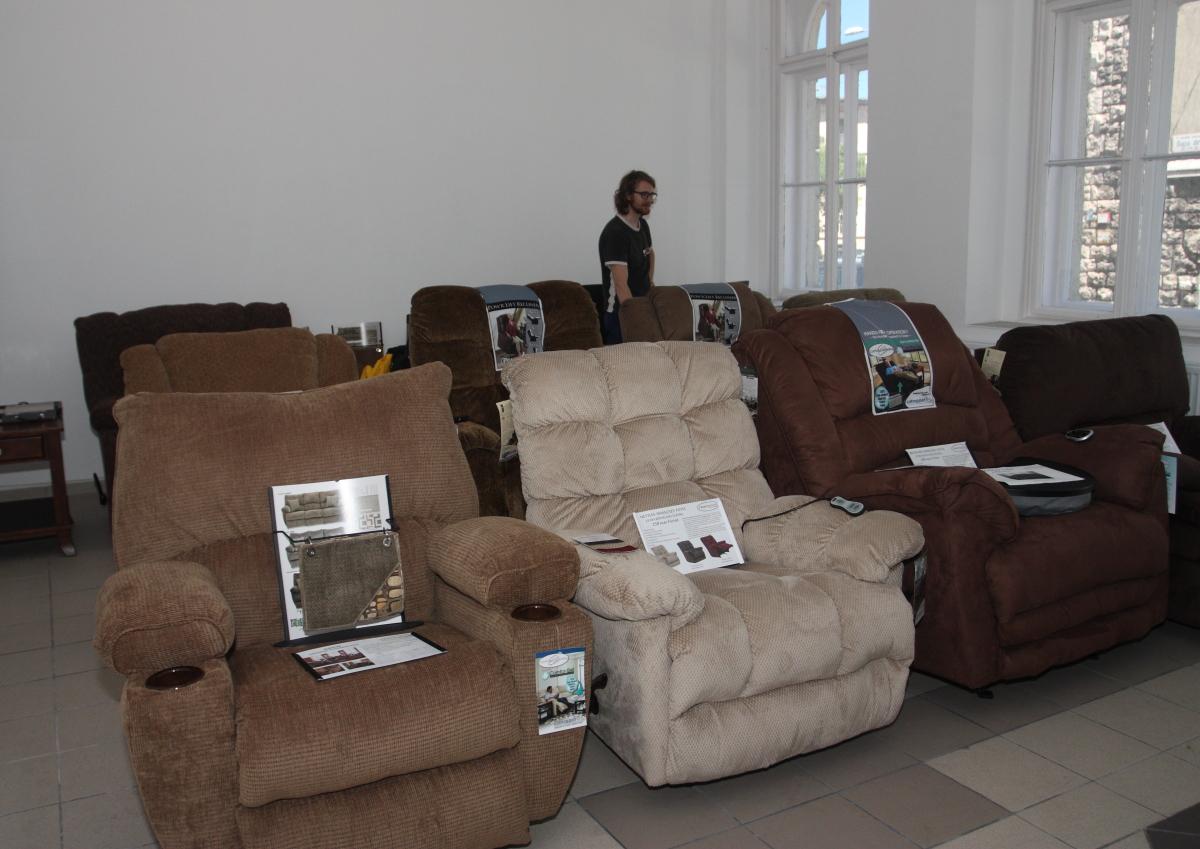 Minden bemutatott fotel más modell