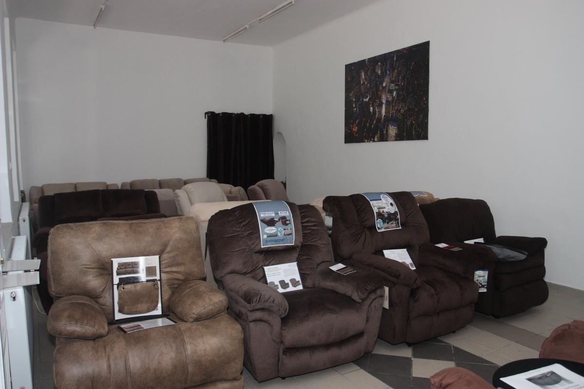 Az új fotelekkel megtelt a Bemutatóterem